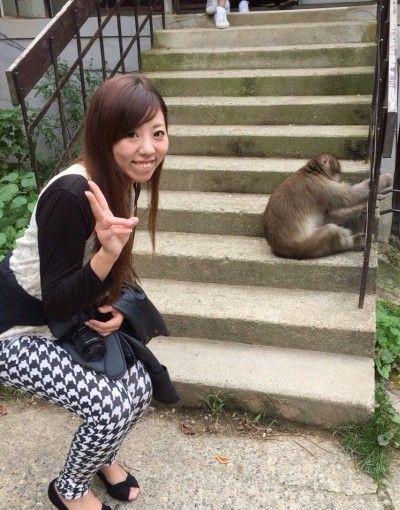 image1 400x533 日本で唯一!温泉に入る猿?!