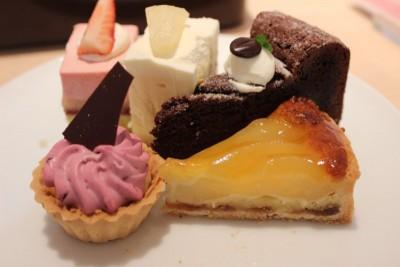image3 400x266 ケーキ屋さんのケーキバイキング♡【自由が丘】