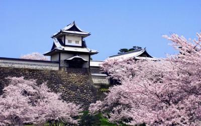 金沢城 400x250 人気急上昇♡春の旅行先ランキングTOP10