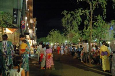 城崎温泉 400x266 浴衣でカラコロ散歩が出来る温泉地7選