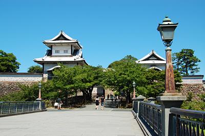 金沢城公園 話題沸騰中!北陸新幹線で【春の金沢】に日帰りで行ってみる。