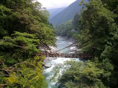 image12 400x300 秘境にある奇橋で大自然を満喫♡